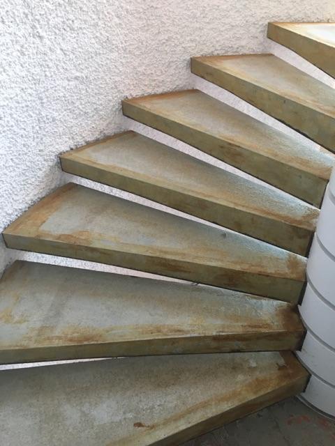Treppe roh